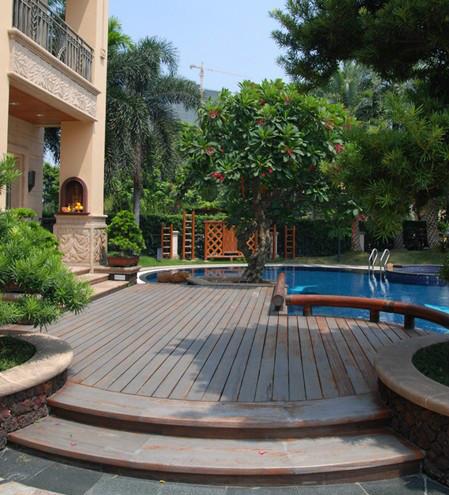 别墅庭院游泳池图片